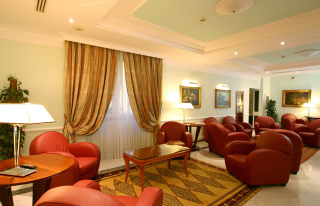 Rome, elegant, with spacious relaxation rooms